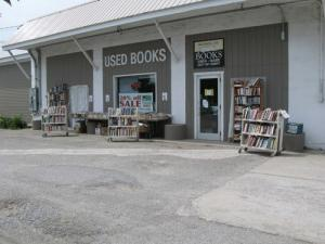 Exterior of Monroe Street Books at 1485 Route 7 N.